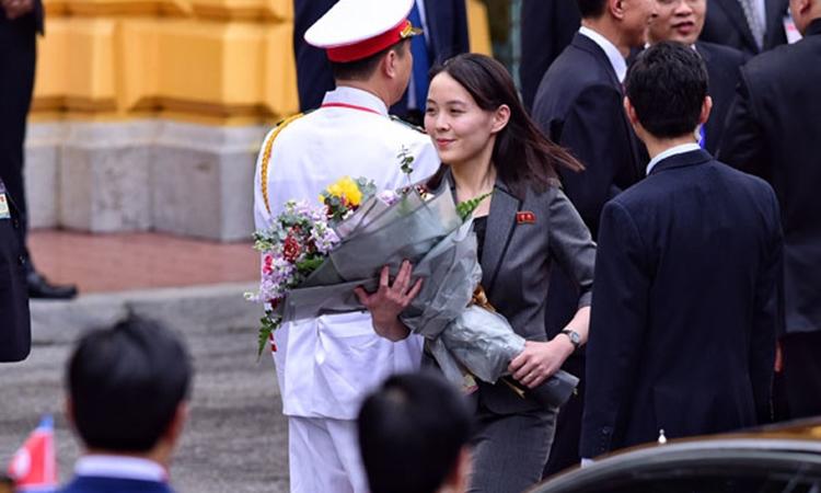 Kim Yo-jong tại lễ đón Chủ tịch Triều Tiên Kim Jong-un tại Hà Nội ngày 1/3. Ảnh: Giang Huy.