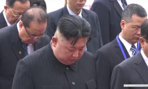 Ông Kim Jong-un đến Lăng viếng Chủ tịch Hồ Chí Minh