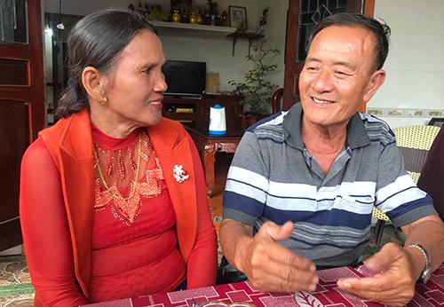 Vợ chồng ông Dương dự định về thăm quê hương rồi sẽ trở lại Campuchia sống cùng các con. Ảnh: Đức Hùng