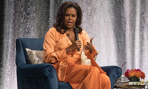 Cựu đệ nhất phu nhân Michelle Obama phát biểu tại một Austin, Texas. Ảnh: AOL.