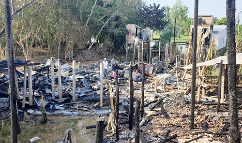 Hiện trường vụ hoả hoạn tại xã Vĩnh Trường, huyện An Phú, tỉnh An Giang. Ảnh: Nguyễn Huynh