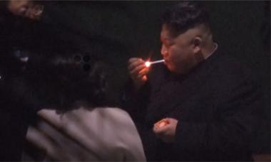 Dùng gạt tàn ở nhà ga Trung Quốc, Kim Jong-un có thể không muốn lộ dấu vết ADN