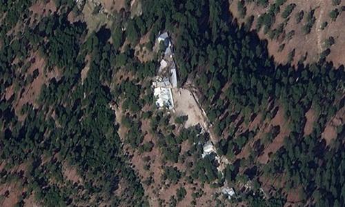Ngôi trường bị quân đội Ấn Độ không kích hồi cuối tháng trước qua ảnh vệ tinh hôm 4/3. Ảnh: Planet Labs Inc.