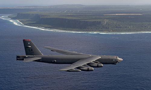 Oanh tạc cơ B-52. Ảnh: CNN.