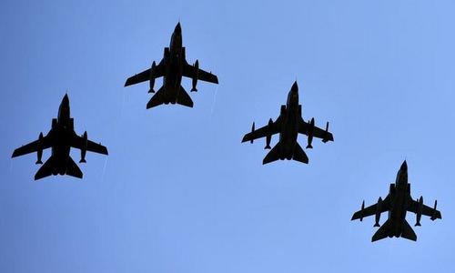 Biên đội tiêm kích Tornado bay qua căn cứ Buechel. Ảnh: USAF.