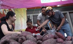 Nhóm bạn trẻ Sài Gòn 'giải cứu' khoai lang
