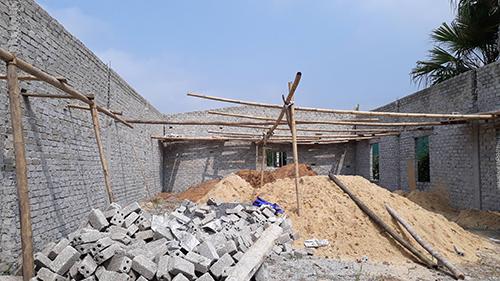 Hàng loạt căn nhà được xây mới ở xã Phú Lâm. Ảnh: Lê Hoàng.