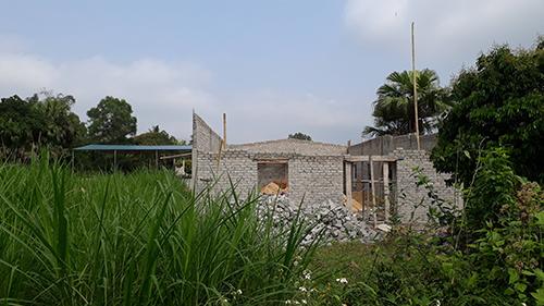 Hầu hết các công trình được xây trái phép trên đất nông nghiệp. Ảnh: Lê Hoàng.