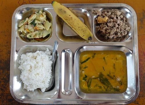 Thực đơn bữa trưa bán trú tại trường Tiểu học Chu Văn An, quận Hoàng Mai.