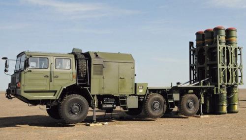 Xe phóng đạn của tổ hợp LY-80 ở trạng thái triển khai. Ảnh: Twitter.