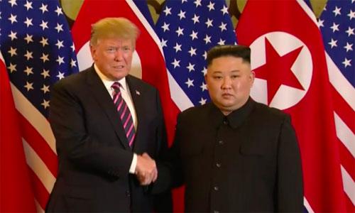 Tổng thống Mỹ Donald Trump và lãnh đạo Triều Tiên Kim Jong-un tại hội nghị lần hai ở Hà Nội hôm 28/2. Ảnh: AFP.