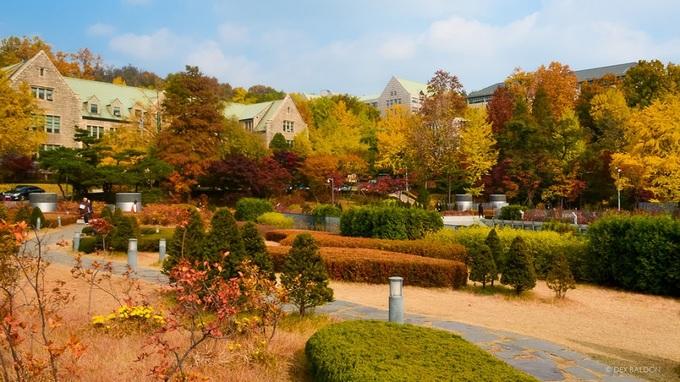 Khuôn viên đại học dành cho nữ giới lớn nhất Hàn Quốc