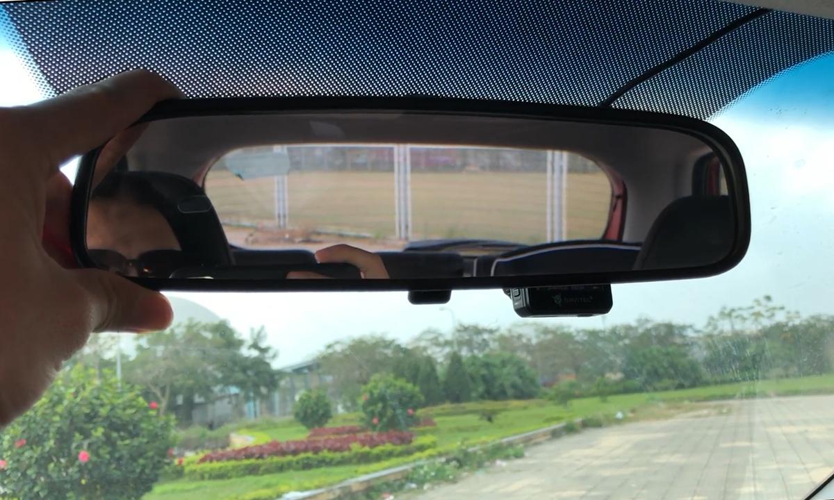 Cách điều chỉnh gương chiếu hậu ôtô tránh điểm mù cho lái mới