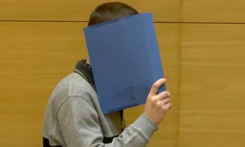 Klaus O che mặt tại phiên tòa hôm 7/3 tại thành phố Bielefeld, Đức. Ảnh: Reuters.