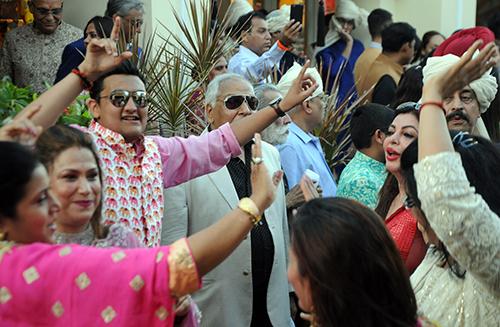 Khách mời đến dự tiệc cưới của Kaabia Grewal và Rushang Shah. Ảnh: Cảnh Nguyễn