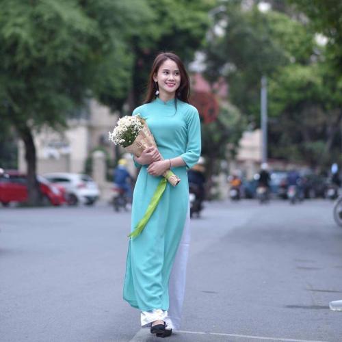 Nguyễn Phương Uyên -Học bổng 5.000 khóa thạc sĩ đại học Huddersfield.