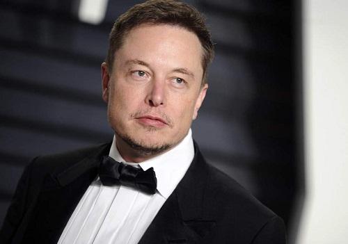 Elon Musk là một nhà phát minh, doanh nhân, tỷ phú người Mỹ.