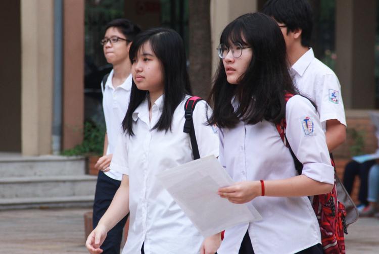 Thí sinh Hà Nội dự thi vào lớp 10 năm 2017. Ảnh: Dương Tâm
