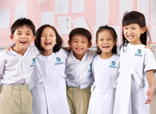 Giáo trình giảng dạy được thiết kế phù hợp với đặc điểm tâm lý, thể chất của các em.