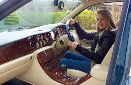 Khách hàng của Rolls-Royce ngày càng trẻ, đồng thời tỷ lệ khách hàng nữ ngày càng cao.