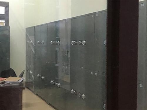Những chiếc tủ chứa kín hồ sơ vụ án được bảo vệ cẩn thận tại TAND Phú Thọ.