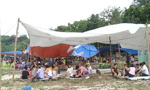 Rác tràn lan ở ghềnh đá xanh nổi tiếng Đà Nẵng