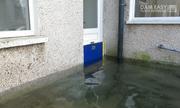 Tấm chắn lũ ngăn nước tràn vào nhà