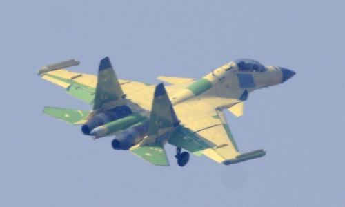 Nguyên mẫu J-15D bay thử hồi giữa tháng 12/2018. Ảnh: Twitter.