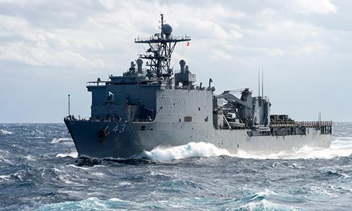 Tàu đổ bộ USS Fort McHenry (LSD-43) tại khu vực Địa Trung Hải. Ảnh: US Navy.