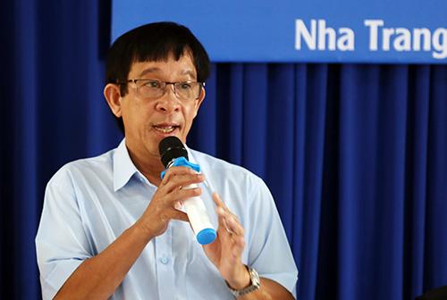 Ông Huỳnh Ngọc Diệp khẳng định nước mắm truyền thống tại Nha Trang đảm bảo an toàn. Ảnh: Xuân Ngọc
