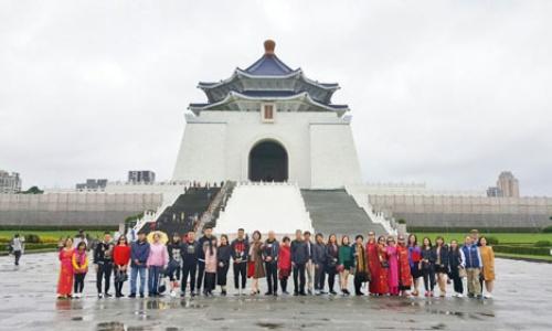 Một đoàn khách du lịch Việt Nam đến Đài Loan hôm 26/12/2018. Ảnh: Nguyễn Yến.