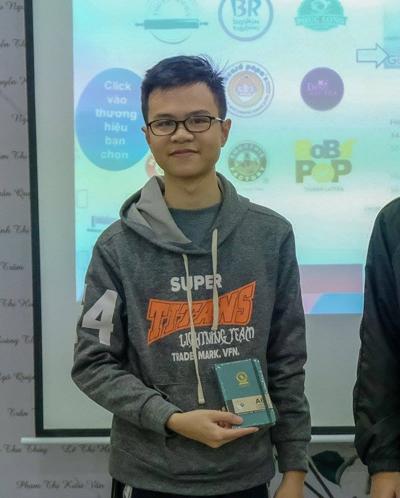 Nguyễn Đình Anh nhận giải Công dân FUNiX tích cực tại xDay.