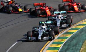 Bottas chiến thắng ở chặng đua Australia