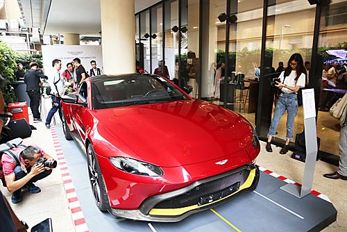 Siêu xe Aston Martin Vantage lần đầu xuất hiện tại Việt Nam.