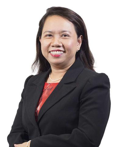 Bà Nguyễn Tường Oanh, phụ trách gGhi danh, xét tuyển học bổng.