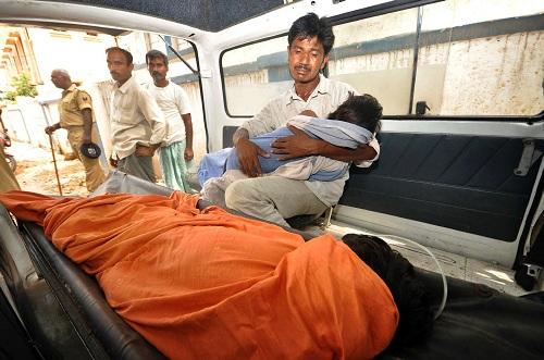 23 trẻ Ấn Độ đã mất mạng trong sự cố an toàn thực phẩm ở Chapra. Ảnh: India Today