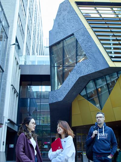 Học viên MBA tại RMIT có cơ hội đi du học trao đổi tại RMIT Melbourne với mức học phí Việt Nam.