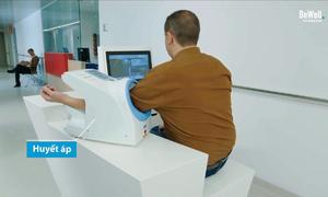 Robot y tá tự động kiểm tra tổng quát bệnh nhân