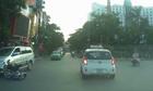 Cô gái vượt Äèn Äá» Äá» lá»i ôtô gây tai nạn