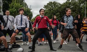 Học sinh New Zealand nhảy tưởng niệm nạn nhân vụ xả súng