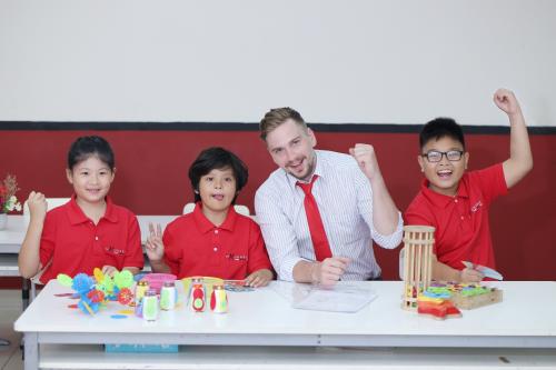 Tại Mathnasium, trẻ tiếp cận với phương pháp giáo dục hiện đại và nền tảng tư duy Mỹ.