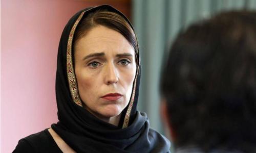 Thủ tướng Jacinda Ardern trùm khăn hijab thăm cộng đồng người Hồi giáo tại Christchurch. Ảnh: Christchurch City.