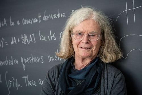 Giáo sưKarenKeskulla Uhlenbeck, người phụ nữ làm nên lịch sử. Ảnh: AFP