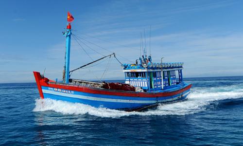 Tàu cá Việt Nam hoạt động trong ngư trường truyền thống. Ảnh: Trí Tín.