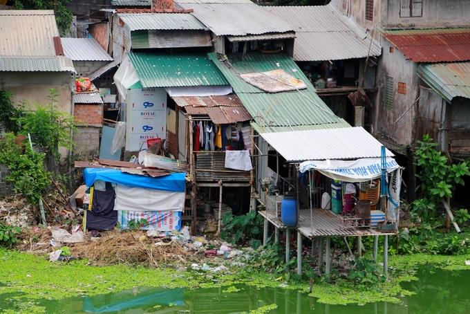Khu ổ chuột của người dân ở khu vực Kinh thành Huế. Ảnh: Võ Thạnh