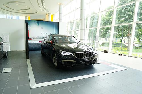 BMW M760Li hiện tại là phiên bản sang trọng nhất, mạnh mẽ nhất dòng 7 series.