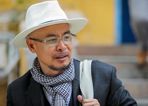 Ông Vụ với trang phục quen thuộc tại tòa. Ảnh: Thành Nguyễn.