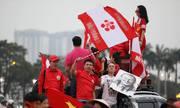 Cổ động viên đổ về sân Mỹ Đình cổ vũ U23 Việt Nam