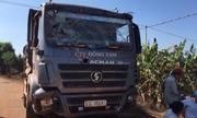 Xe tải lao vào nhà, hai vợ chồng tử vong khi đang ngủ