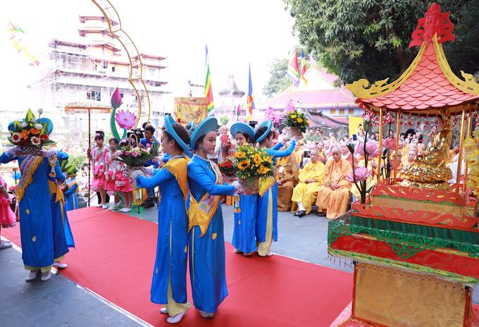 Hàng chục nghìn người dự Lễ hội Quán Thế âm lớn nhất Đà Nẵng